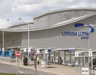 LondonLutonAirport-Terminal-2013