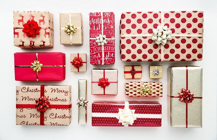 Gifts For Employees For Christmas.How To Make Employees Feel Valued At Christmas Time
