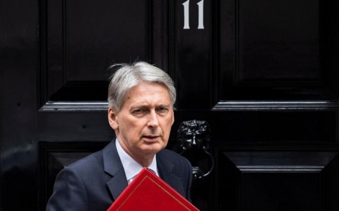 Philip-Hammond-and-red-book