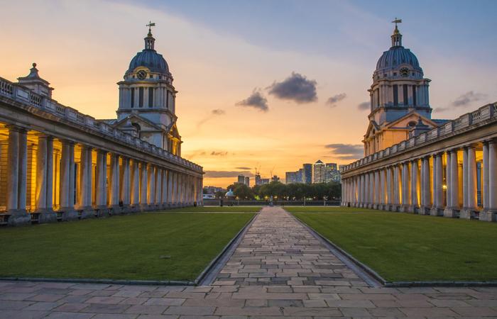 Greenwich university contractors