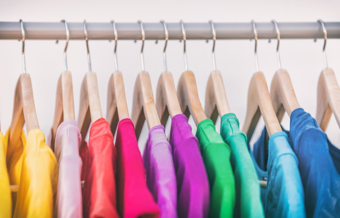 Workers told to wear colour-coded clothes based on relationship status