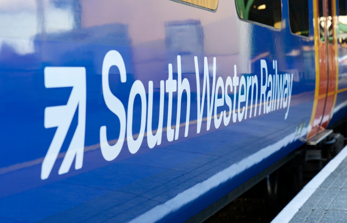 South Western Railway staff receive 2.6% in pay agreement