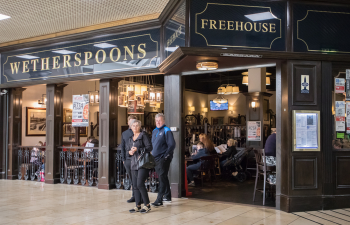 Weatherspoons refuse to pay staff until government reimbursements arrive