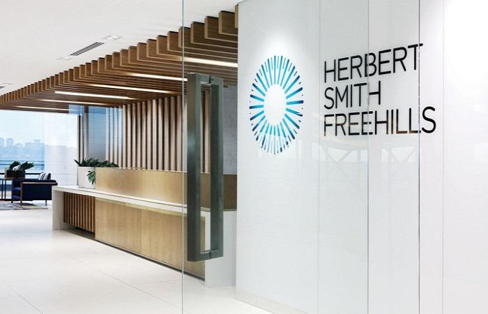 Herbert Smith Freehills splits employee bonuses for 2019/2020