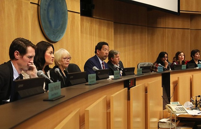 Seattle Council passes premium pay legislation for frontline food delivery drivers