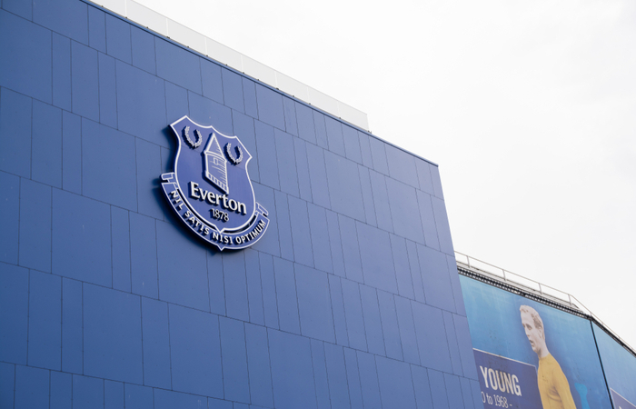 Everton F.C. first team players and manager voluntarily take 50% pay deferrals