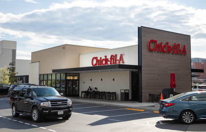 Chick-fil-A celebrates employees 90th birthday with a drive-thru party