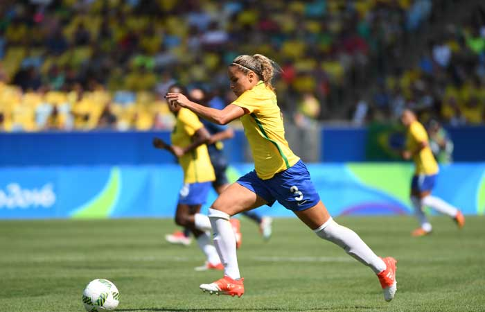 Brazil gives equal pay to men's and women's national players