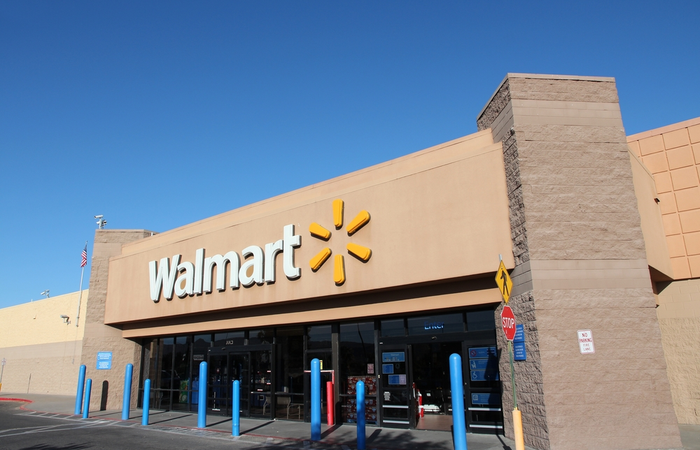 Walmart rewards 165,000 employees with pay rises