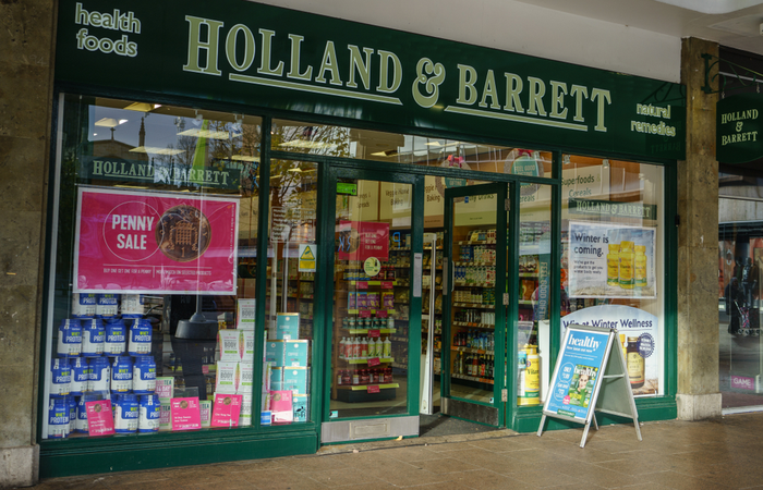 Holland and Barrett gives 5,000 employees early access to pay