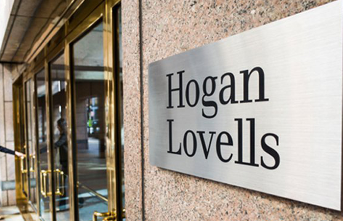 Hogan Lovells returns newley qualified lawyers to full pay