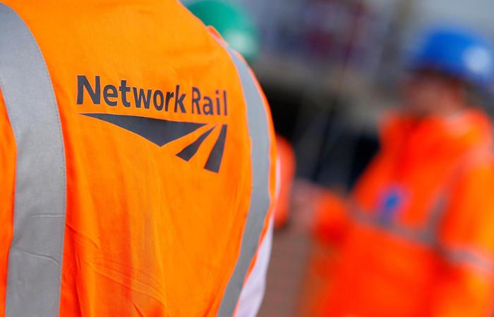 Network Rail gains living wage accreditation